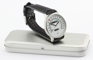Vmax speedometer watch with combined mph and km/h dial